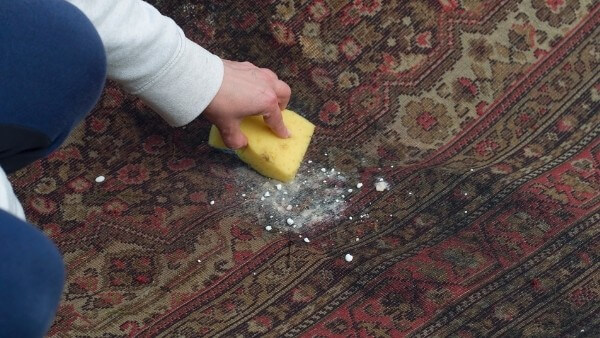 removing grease from carpets with baking soda