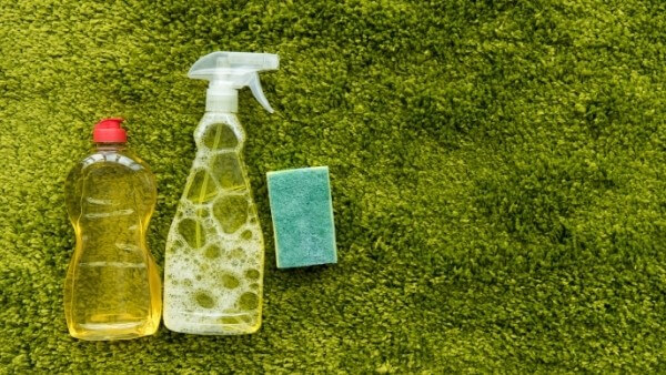 removing grease from carpets with dishwashing detergent